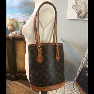 Authentic Louis Vuitton bucket bag Pm